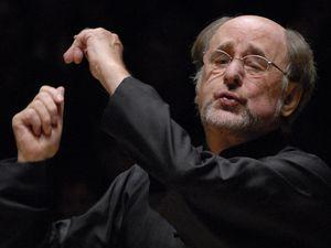 sir roger norrington, un chef d'orchestre britannique fort renommé sur la scène internationale