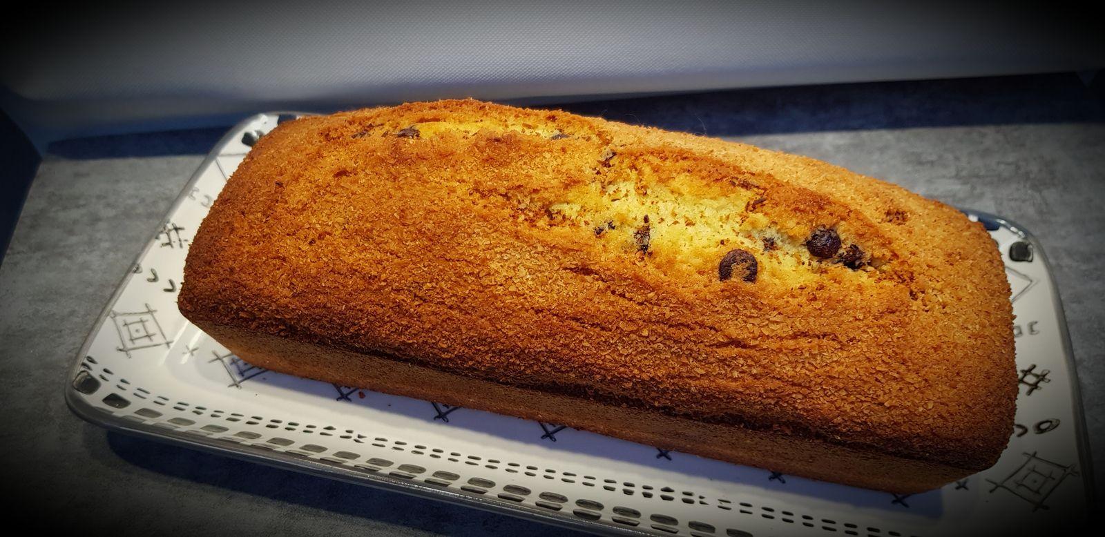 Cake à la noix de coco et pépites de chocolat
