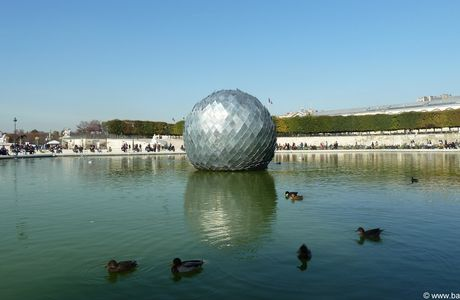 Paris, Tuileries, FIAC 2011 au jardin