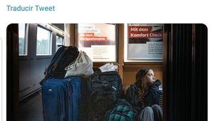 Greta se queja de viajar en el suelo de un tren alemán y la compañía la desmiente