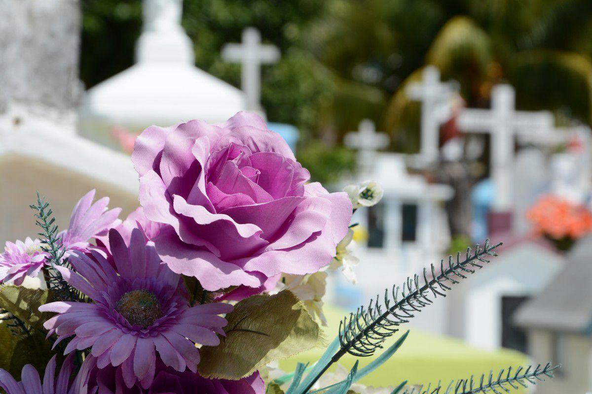 Toussaint : vols à la roulotte aux abords des cimetières, les conseils des gendarmes de la Haute-Garonne