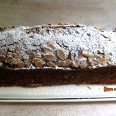 Cake pêches-amandes - www.sucreetepices.com