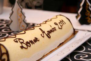 Bûche entremet coco-mangue et Bonne année 2011!