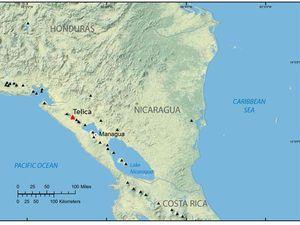 Localisation du Télica au Nicaragua : à gauche, carte de l'USGS - à droite, élévation 3D (exagérée) par Ineter. - un clic pour agrandir.