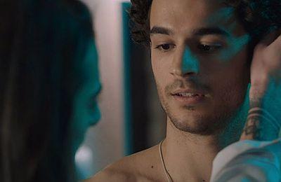 Sur TF1, une scène de préliminaires queer dans « Ici tout commence » émeut les internautes