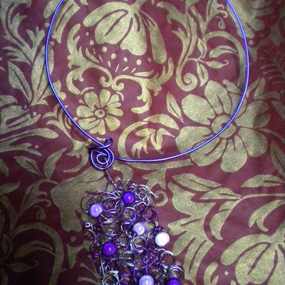 collier tout violet