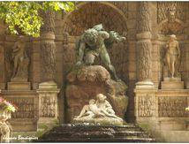La fontaine Médicis dans le jardin du Luxembourg à Paris
