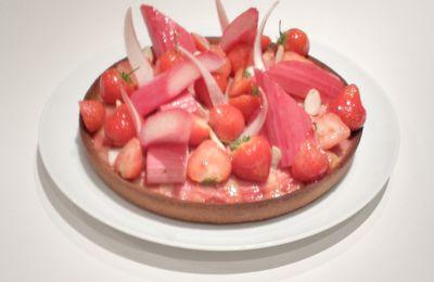 La tarte rhubarbe, fraise et amande de Claire Heitzler