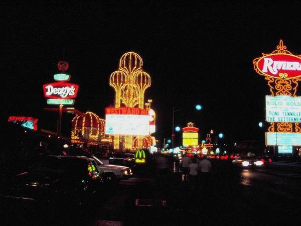 Hôtels & CASINOS juillet 1984 Las-Vegas USA...