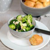 Petits choux au reblochon et brocoli en salade aux amandes