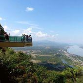 Sangkhom : le Wat Pa Tak Sua et le Skywalk - Noy et Gilbert en Thaïlande