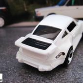 PORSCHE 930 HOT WHEELS 1/64 - car-collector.net