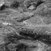 Un immense vaisseau spatial sur Mars? - Wikistrike