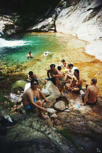 Les piscines naturelles de Taiping près des Montagnes Jaunes (Anhui)