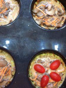Quichettes aux champignons (pâte à la courgette, flan cancoillotte)