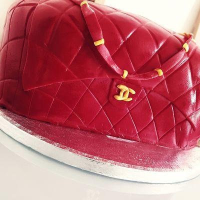 Gâteau sac Chanel  - vanille/ kinder bueno