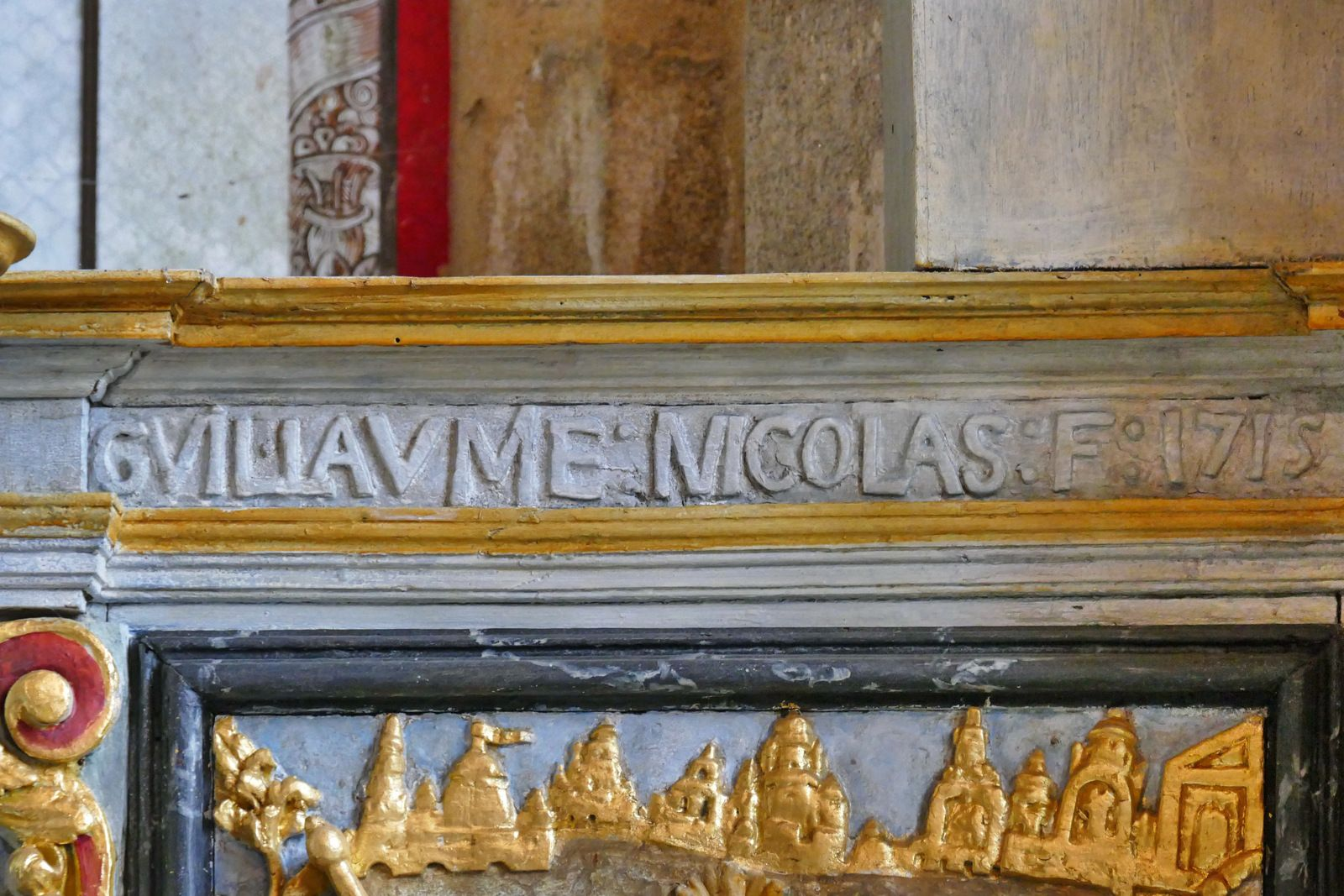 Inscriptions de la chapelle Sainte-Marie-du-Ménez-Hom. Photographie lavieb-aile.