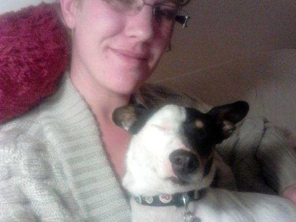 Mon petit Ray qui aime tellement les câlins qu'il s'endort instantanément dès qu'on lui gratte l'oreille !