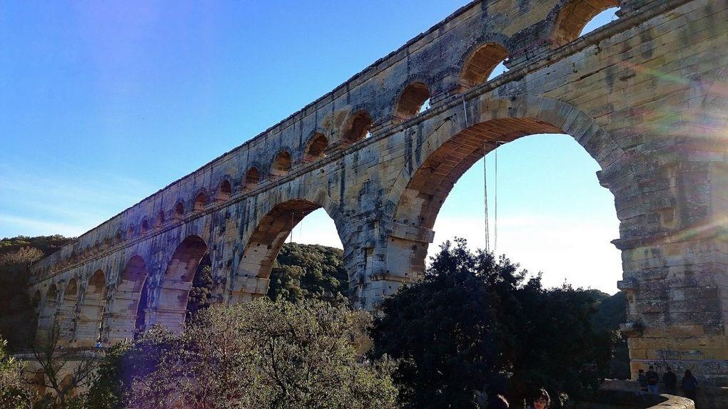 Diaporama : Les points de vue sur le Pont du Gard depuis les sentiers de promenade (juin 2014 et janvier 2015, images personnelles)