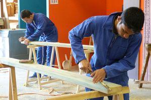 Réalisation de tables et de bancs pour la mairie de Bergerac