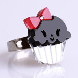 Do you want some Jewelry cupcake ?