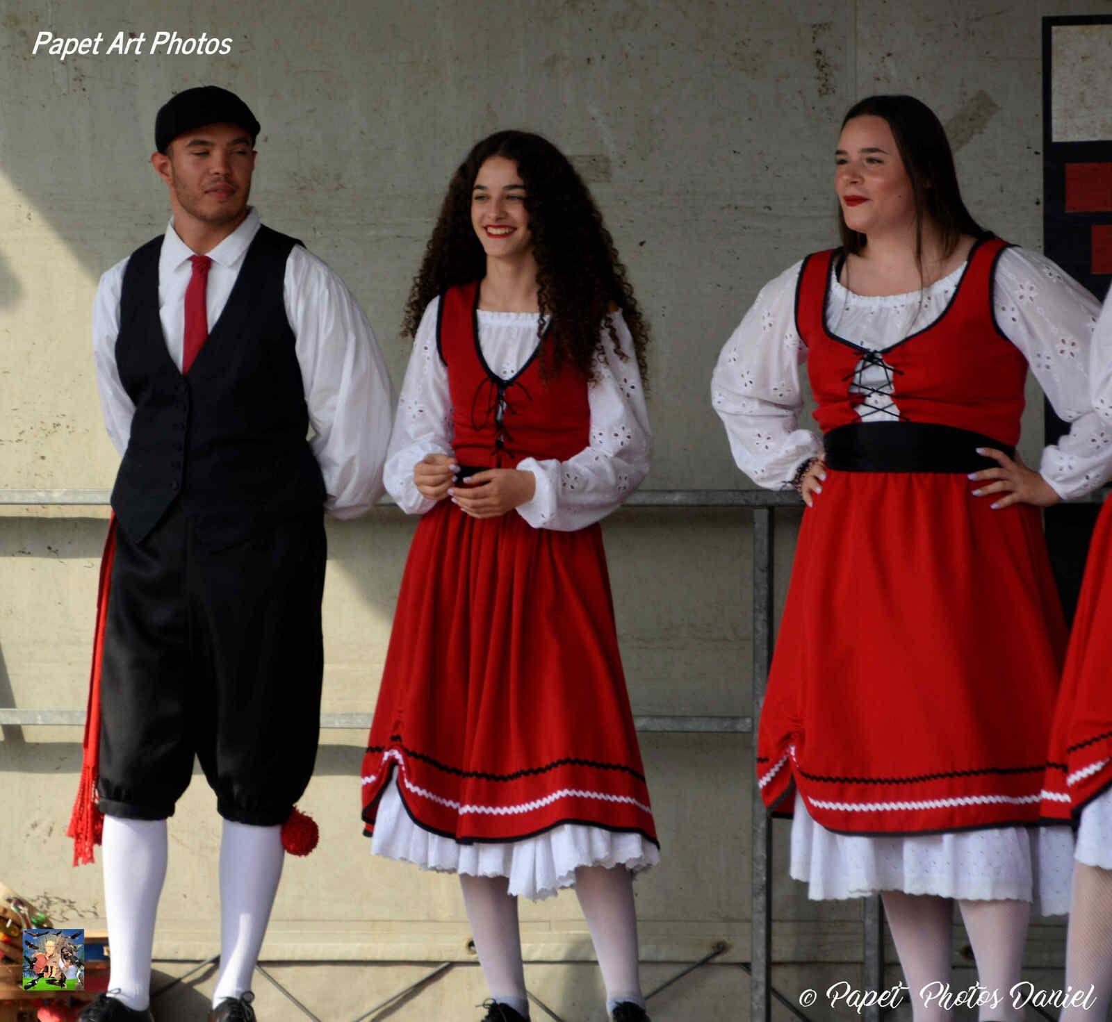 Un après midi avec le Groupe Terra Nostra, au parc de Monceau ( un groupe qui a toujours le sourire) partie 1