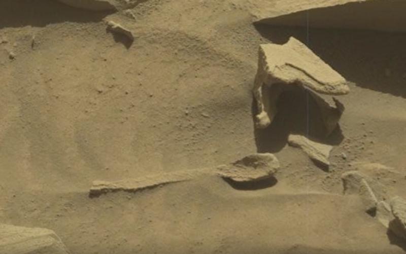 UNE CUILLÈRE EXTRATERRESTRE SUR MARS !