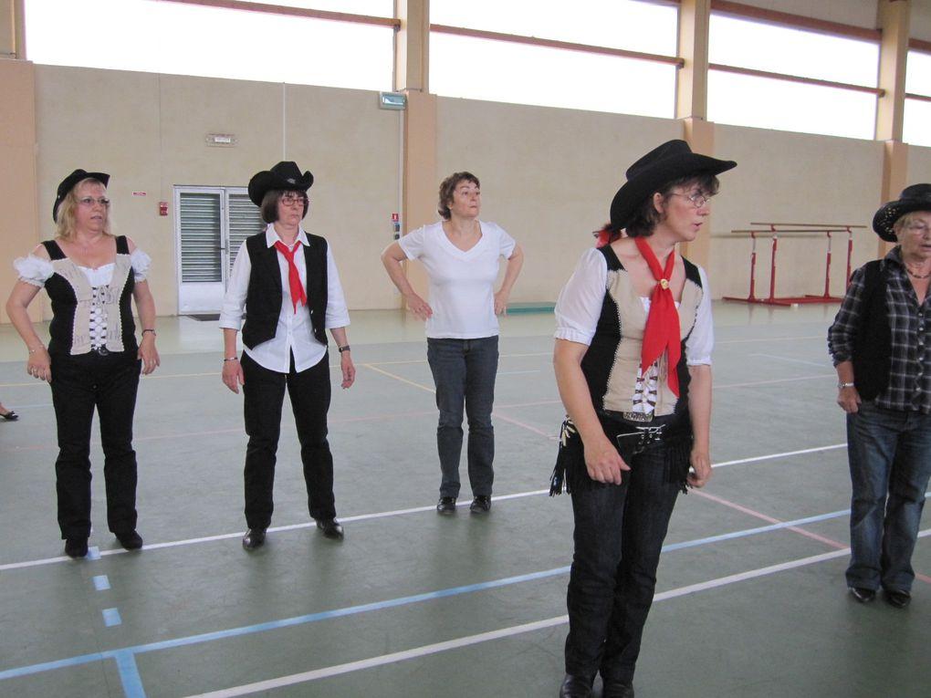 Le dimanche 20 juin 2010 à 14h30 au gymnase regroupement des 3 groupes pour un dernier cours en commun, et pour un remerciement a Martine & Thierry pour cette année 2009/2010 ( et que de souffrances )