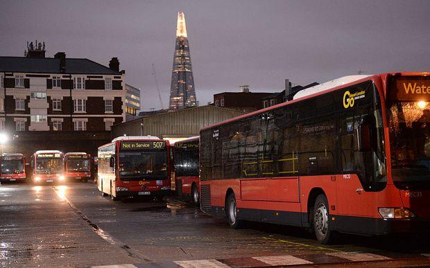 Grève massive et trafic paralysé à Londres : les chauffeurs de bus en colère contre le dumping social des compagnies privées