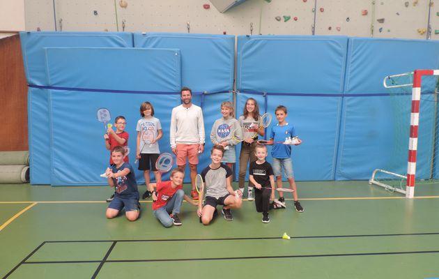 Formule détente, au badminton, pour les jeunes