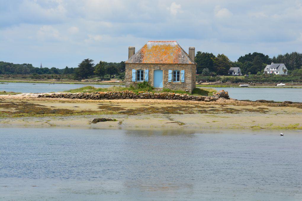 L'île de Saint-Cado et la maison de l'ostréiculteur qui lui fait face.