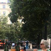 Contre le pass sanitaire des contestataires organisent des terrasses sauvages en France