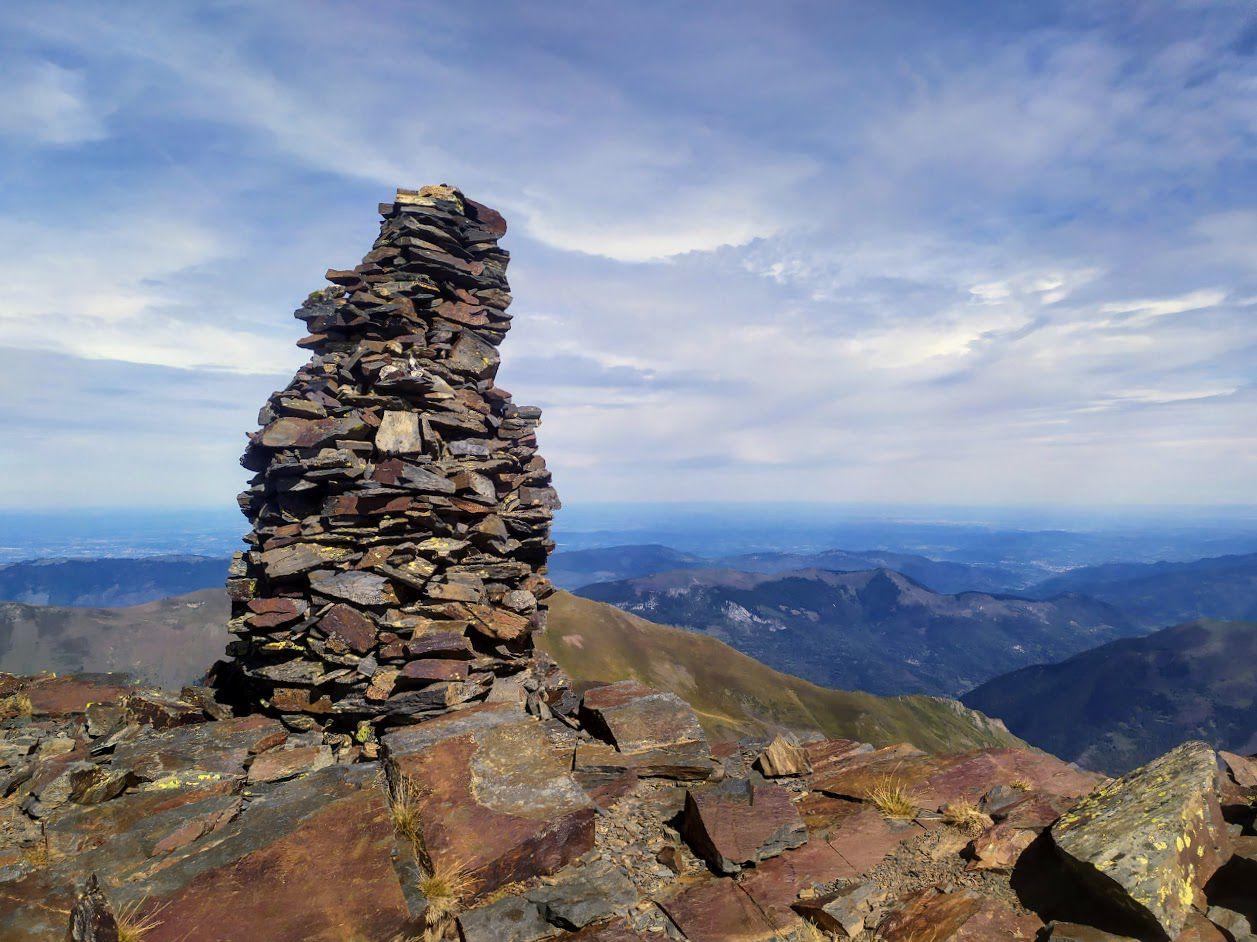 PYRAMIDE DE SERRE (PIC DE SERRE-HAUTE : 2.714m).