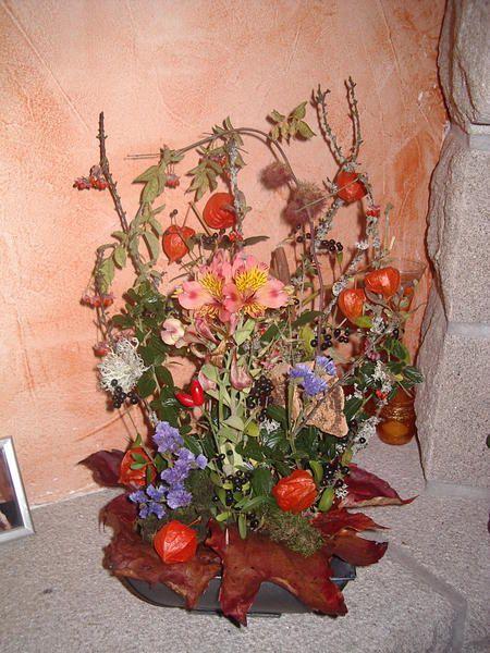 bouquet d'hiver, bois, feuilles, coloquintes, personnages, fleurs naturelles ou artificielles