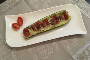 Barquette de courgette aux tomates cerises, chèvre et jambon