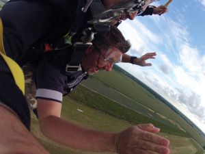Descente sous voile - Coming down under the chute