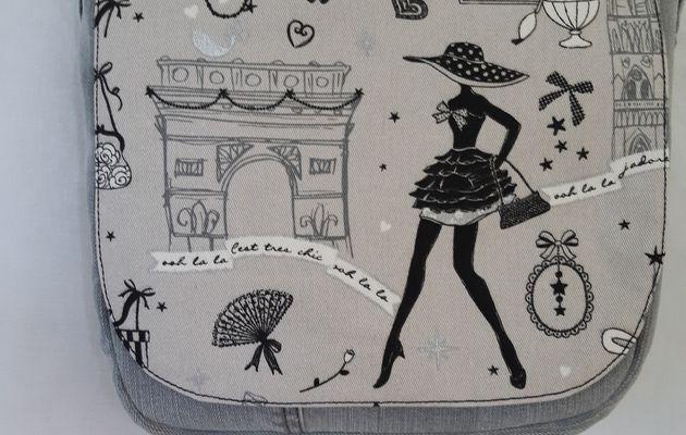 sac en bandouilliere jean et tissus la petite robe noire