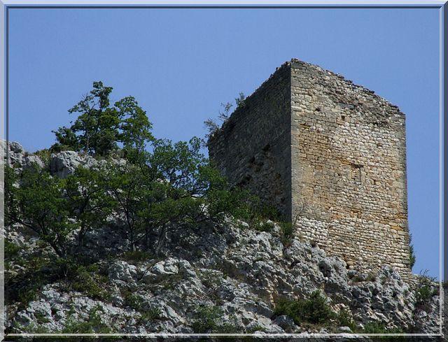 Diaporama donjon de Montbrun les Bains