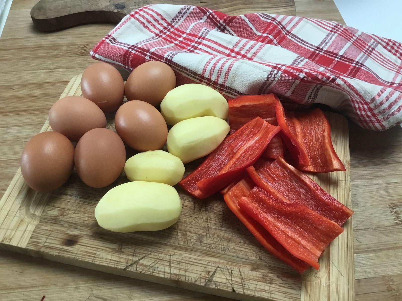 Omelette pommes de terre, poivrons