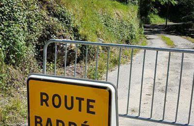 Urau. Route défoncée par la crue du Riouaris