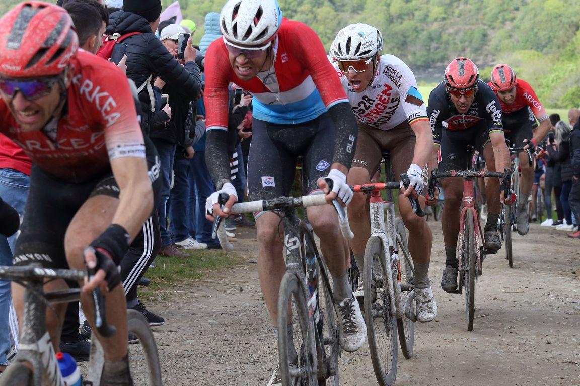 Les belges Oliver Naesen (AG2R Citroen) et Philippe Gilbert (Lotto soudal)