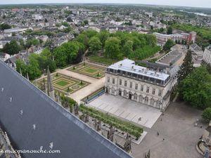 L'ancien Hôtel de Ville et ses jardins vu depuis la tour.