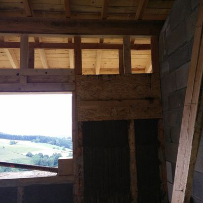 Ossature linteau baie vitrée - paille avant dernier rang du salon