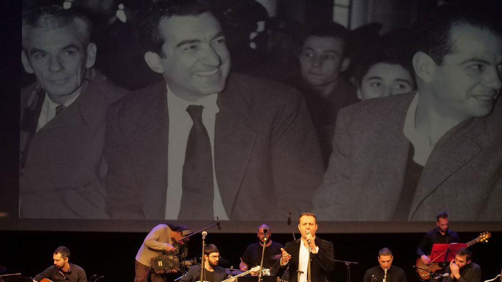 Meeting politique du KKE au Pirée pour son centième anniversaire
