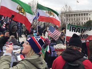 Face au drapeau : La géopolitique de la manifestation du 6 janvier 2021 au Capitole