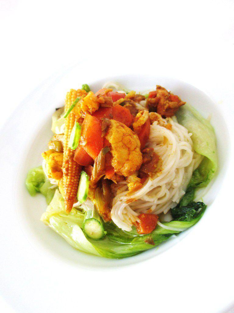 Spaghetti di riso & verdure al curry...