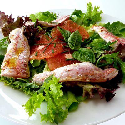 Rougets de roche marinés au citron vert-pamplemousse piment d'Espelette de la gamme « gérard vives »