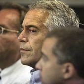 Epstein avait affirmé il y a deux semaines que quelqu'un avait essayé de le tuer en prison - MOINS de BIENS PLUS de LIENS