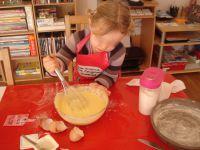 Des oeufs, de la farine, du sucre, de l'huile et surtout un yaourt aromatisé citron... Un peu de savoir-faire et hop voilà le résultat !!!