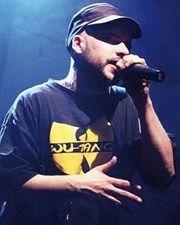 diem delam, un rappeur essonnien fort de 10 ans d'expérience dans le milieu rap et qui devient l'un des plus tranchants mc's franciliens